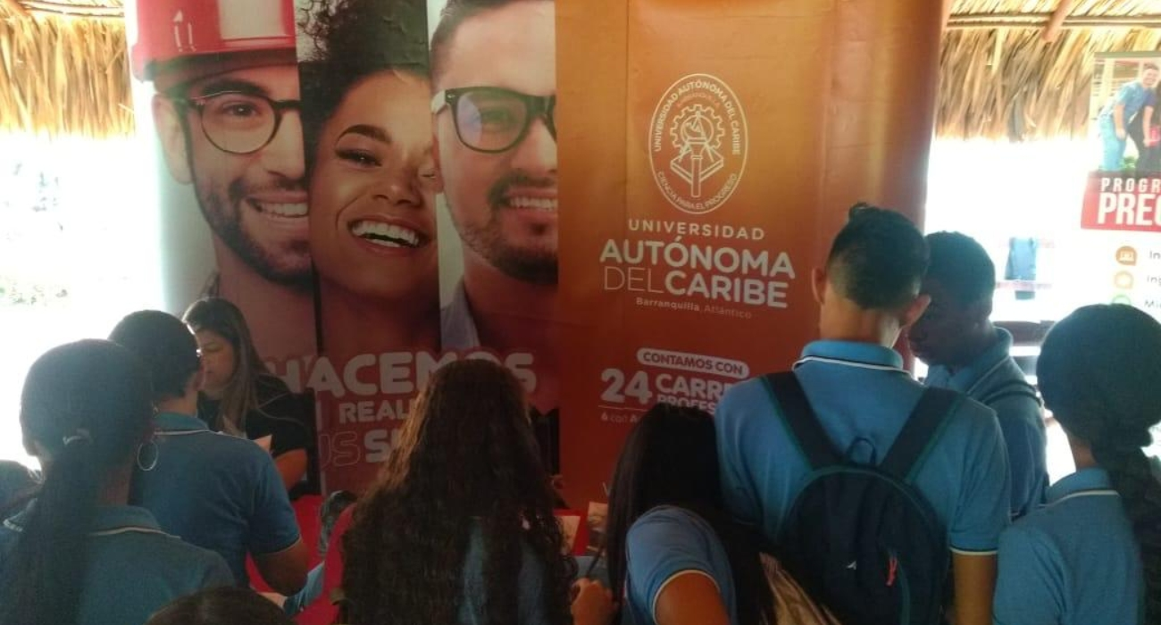 Visita de marketing a colegios 2.jpg